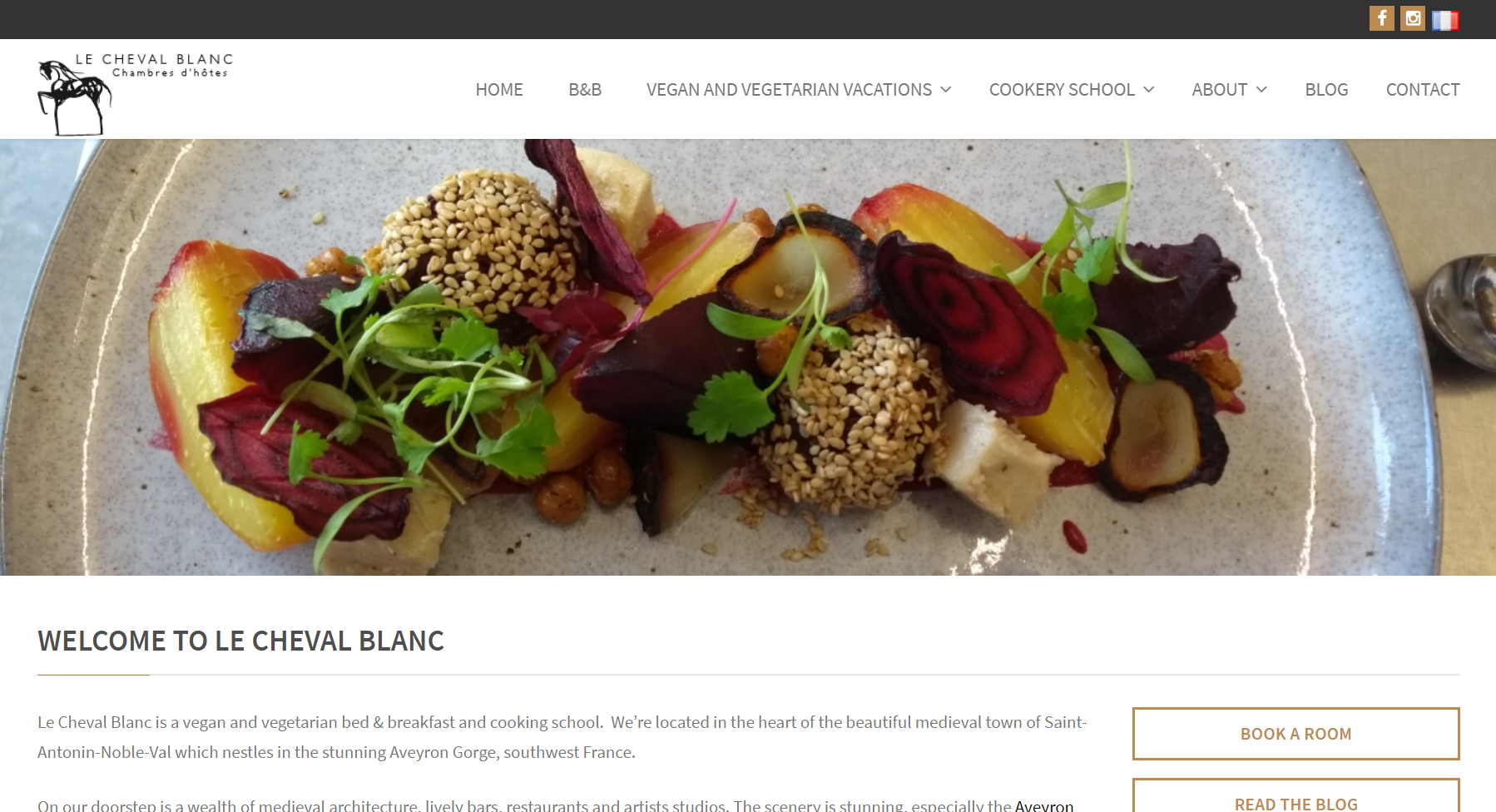 The homepage of the Le Cheval Blanc B&B website